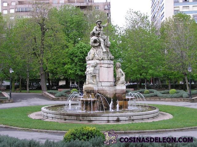 Fuente de Neptuno en el parque de San Francisco