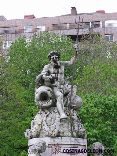Fuente de Neptuno en Léon - detalle