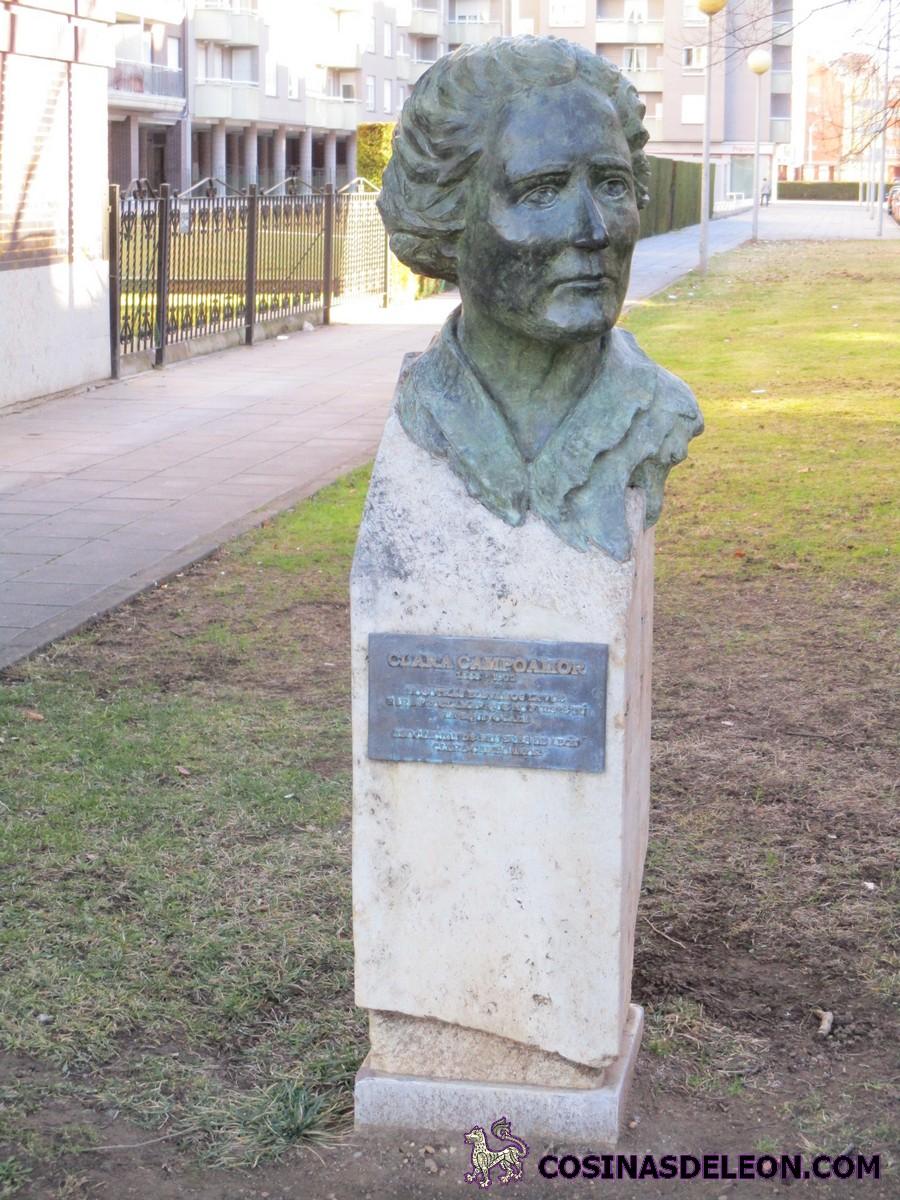 26b733082 Busto a Clara Campoamor